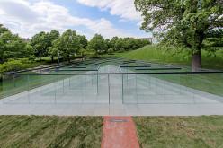 В Канзас-Сити открылся стеклянный лабиринт