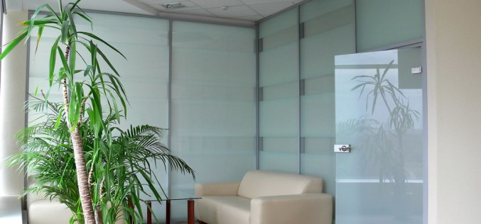 Организация рабочего места с офисными перегородками ALT110