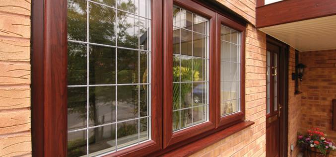 Деревянные окна из сосны — прекрасная альтернатива пластику