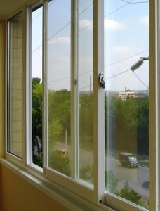 Раздвижное остекление балкона