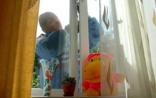 Как открыть пластиковое окно снаружи