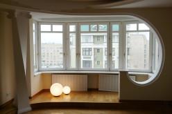 Преимущества остекления балкона теплыми окнами