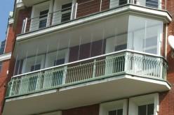 Французский балкон: особенности конструкции и остекления