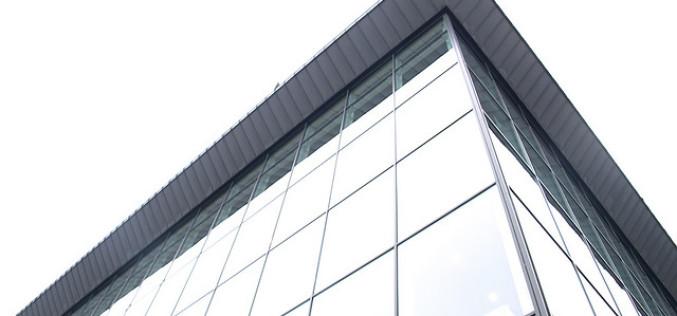 Стильное и красивое фасадное остекление зданий