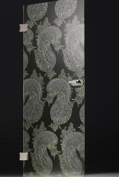 Многослойное стекло с тканевыми вставками предлагает новые дизайнерские возможности.