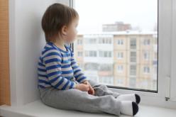 Как установить детский замок на пластиковые окна